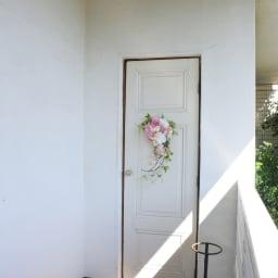 八重桜とピオニーのスワッグ 存在感のあるスワッグでご自宅に春を!