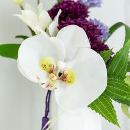 PRIMA ホワイト系胡蝶蘭入り コンパクトアレンジ供花 イ:右 質感までリアルな胡蝶蘭です