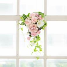 ピオニー トルコキキョウ 春 スワッグ ギフト 日本製 アーティフィシャルフラワー アートフラワー 造花 壁掛け アレンジメント ホワイト ピンク
