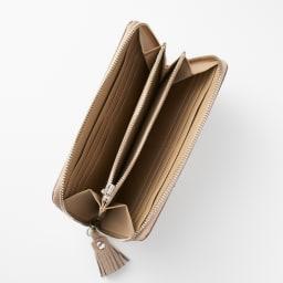 NAGATANI/ナガタニ エスポワールラウンド長財布 内側はカラーに合わせて同色のレザーを使用しています。