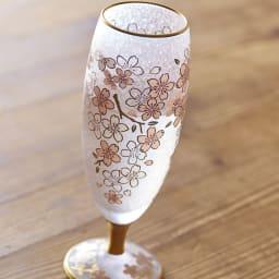 SAKURA 酒グラス グラス表面は特殊技術「みぞれ仕上げ」を施し、桜模様をプリント。涼しげな風合いに仕上げています。