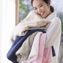 潤いのタオルバス2枚ギフトセット     洗うほどふっくらフワフワ。もうほかのタオルは使えない! ※色は異なります