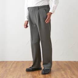 カインドケア/腰総ゴムくつろ着スラックス 紳士用 グレーM着用イメージ ※着用モデル身長:167cm