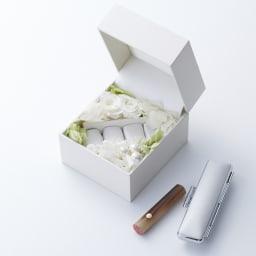 【ネームオーダー】お祝い印鑑 ブライダル オランダ水牛(銀行印) 印鑑本体は純白のケース入っています。