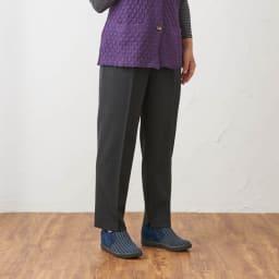 カインドケア/くつろ着パンツスタンダード 婦人用 ブラックM着用イメージ ※着用モデル身長:152cm