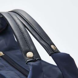 BASARA TYO/バサラ ファビオ はっ水軽量2WAYバッグ 羊革の取っ手。柔らかめで持ちやすい。