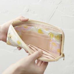 LiBERTE/リベルテ 牛革バラ型押し L字長財布 小銭ケース部分も柄が入って素敵です。カードも2枚入ります。