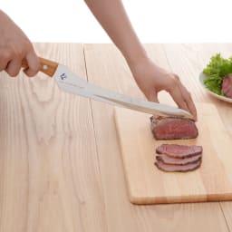 つばめのパンナイフ 柔らかいローストビーフだって切れちゃいます。