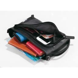 ホースレザー クラッチショルダーバッグ コンパクトなのに、たくさん収納ができます。