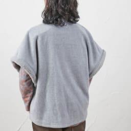 カインドケア/【婦人用】 フリースベスト ギフト箱入(日本製) Back Style お尻もすっぽり。