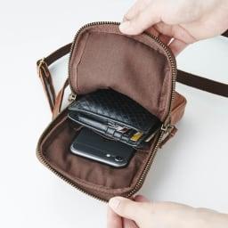 【メンズ】 Dakota/ダコタ 馬革ミニショルダーバッグ 携帯やパスケース、二つ折りサイズ細かい小物をスマートに収納。