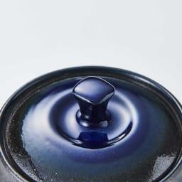 萬古焼 こだわりの角丸急須&湯呑2個の3点セット 深みのある色味で、艶やかで高級感があります。