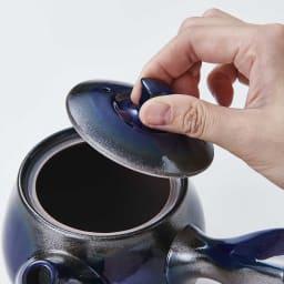 萬古焼 こだわりの角丸急須&湯呑2個の3点セット 蓋も取り外ししやすいかたち。