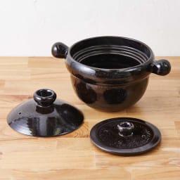 弥生陶園/萬古焼ごはん炊き土鍋 (4合炊き) ふた・中ふた・鍋の3点セット。中蓋がある事で、炊いている時の吹きこぼれもなく、綺麗に炊く事ができます。