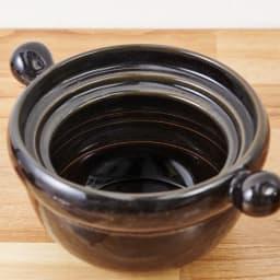 弥生陶園/萬古焼ごはん炊き土鍋 (4合炊き) 鍋の内側に目安の水量ライン付き。(約400cc)・3合(約600cc)・4合(約800cc)の3本入っています。