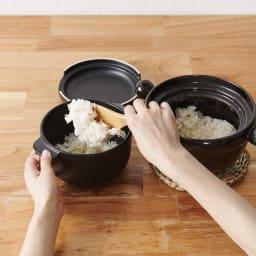 弥生陶園/萬古焼ごはん炊き土鍋 (2.5合炊き) 残ったごはんは、別売のおひつ(画像左)にうつすと、翌日も美味しく召し上げれます。