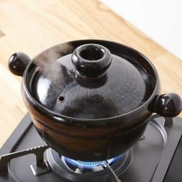 弥生陶園/萬古焼ごはん炊き土鍋 (2.5合炊き) 【ごはんの炊き方(3)】2合炊きの場合、最初に火をかけてから、大体7分後に蒸気が吹き上がり、その後2分ぐらいで蒸気がおさまるので火を止めて、蓋を開けずにそのまま20分程度蒸らせばでき上がり♪