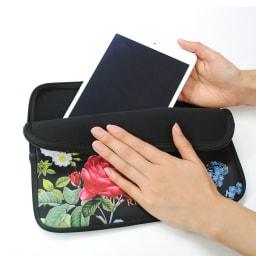 ディアカーズ 名入れタブレットポーチ ルドゥーテ コレクション ipad pro10.5インチ、iPad、iPad miniがいれられます。写真のタブレットは「iPadmini」