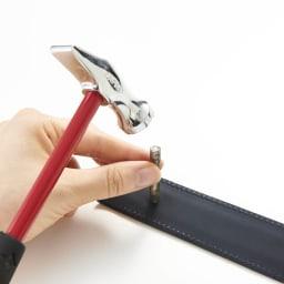 KNOT/ノット メンズ イタリアンレザー光沢ベルト 【長さ調整可能】4.付属の工具で穴をあけます。※トンカチは付属しません。 ※画像は別のレザーです