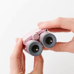 女性のための双眼鏡 Vixen/ビクセン Saqras(サクラス)H6×16 眼幅の調整幅が広い2軸式(閉じた状態)。