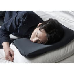 BANALE/バナーレ OMNI PILLOW オムニピロー 3in1 広げて使う「シングルピロー」 枕として枕の高さ調節として