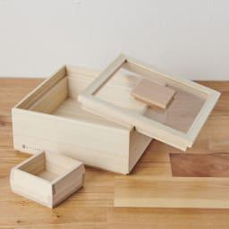 日本製 桐の米びつ 3kg 蓋を本体に引っ掛けることができ、中身の詰め替え時に便利。※写真は別サイズです