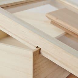 日本製 桐の米びつ 5kg 蓋を本体に引っ掛けることができ、中身の詰め替え時に便利。