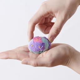 夢み屋 お香入りちりめん京菓子(お供え菓子) 本物の和菓子のようなサイズ感