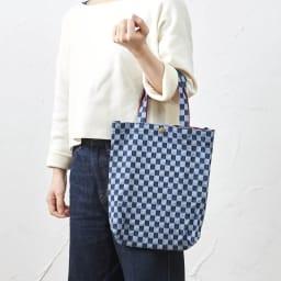 備後デニムトートバッグ ちょっとしたお出かけにちょうどいいサイズ感。