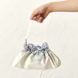 花紀行 クリスタルガラス&ペイズリー刺繍 二重張り折り畳み日傘 おしゃれに持ち運びできます。