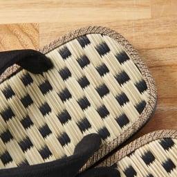 大和工房雪駄 メンズ 国産い草 サンダル (ア)ブラック  市松模様の国産い草を天板に。涼しげな印象そのままに、足触りの良いこの雪駄を是非素足でお楽しみください。