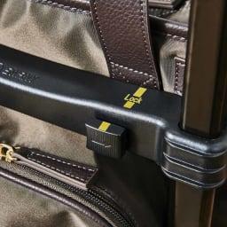 KINDCARE(カインドケア)×スワニー モリスショッピングカート ワンタッチでストッパーをかけられます。キャスターにロックがかかります。