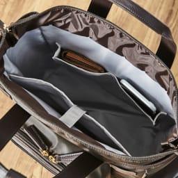 KINDCARE(カインドケア)×スワニー モリスショッピングカート 内部ポケットが3つ。携帯や定期入れ、保険証などを分けられます。
