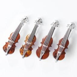 琥珀のバイオリンブローチ