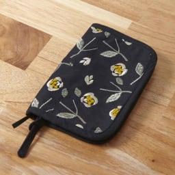 くろちく 刺繍ブックカバー 柄が選べる2個組 (カ)椿黒
