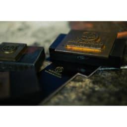 グレンロイヤル マネークリップ(小銭入れ付) 商品は伝統的な高グレードのブライドルレザーを使用したハンドメイド。英国らしい職人による丁寧なもの作りが品格を感じさせます。