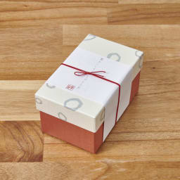 とのとひめ モダン(桃の節句・ひな人形) 土台が箱になっており、コンパクトに収納できます。プレゼントにもおすすめ。