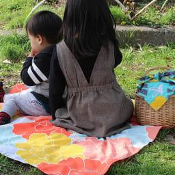 はっ水風呂敷 京都ふろしき専門店「むす美」 (ア)ボタン ピクニックのレジャーシートにも!はっ水なので飲み物をこぼしても安心。