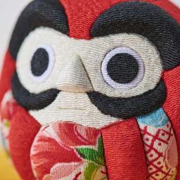 くろちく 古布木目込人形 吉祥だるま 怖くない、凛々しくも優しいお顔がポイント。