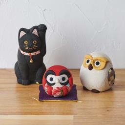 くろちく 古布木目込人形 吉祥だるま シリーズで招き猫、ふくろうもございます。