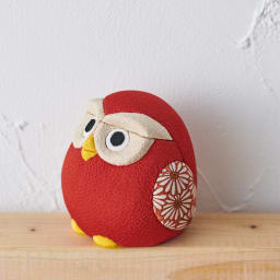 くろちく 古布木目込人形 お守りふくろう (ウ)赤 ※古布部分は1点1点色柄が異なります。