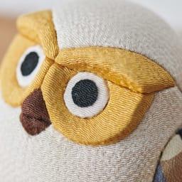 くろちく 古布木目込人形 お守りふくろう 顔アップ。 立体感のある作りです。