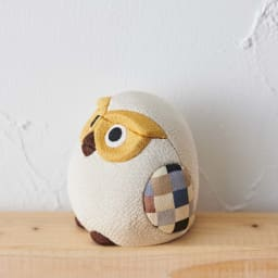 くろちく 古布木目込人形 お守りふくろう (エ)白 ※古布部分は1点1点色柄が異なります。