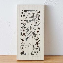 ムーミン 木箱入りペア箸セット カットレリーフが美しい木箱。小物入れとしてもお使いいただけます。