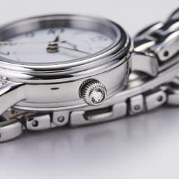 Angel Heart/エンジェルハート ファーストスター シルバー ソーラー時計 りゅうずにはクリスタルガラスがあしらわれています。