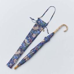 UVカット晴雨兼用長傘 ウィリアムモリス 傘袋は、防水加工がほどこされています。 ※傘の留めボタンは色・デザインが画像と若干異なる場合がございます