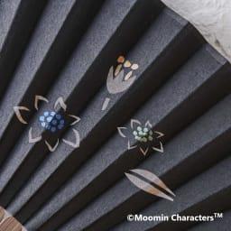 【お名前オーダー】ムーミン切り絵京扇子 (ア)ムーミンと仲間たち<br />切り絵、絵付けはすべて手作業で行われています。