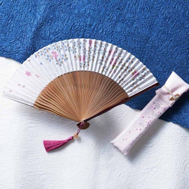 京扇子 巧美 花響 さくら(婦人用) セット内容:扇子、扇子袋