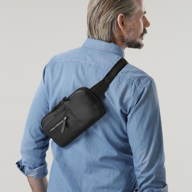 ホースレザースリムウエストバッグ (ア)ブラック 軽量薄型な馬革ウエストバッグ