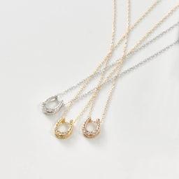 K18ダイヤデザインPD 馬蹄      左から(イ)WG ホワイトゴールド、(ア)YG イエローゴールド、(ウ)PG ピンクゴールド